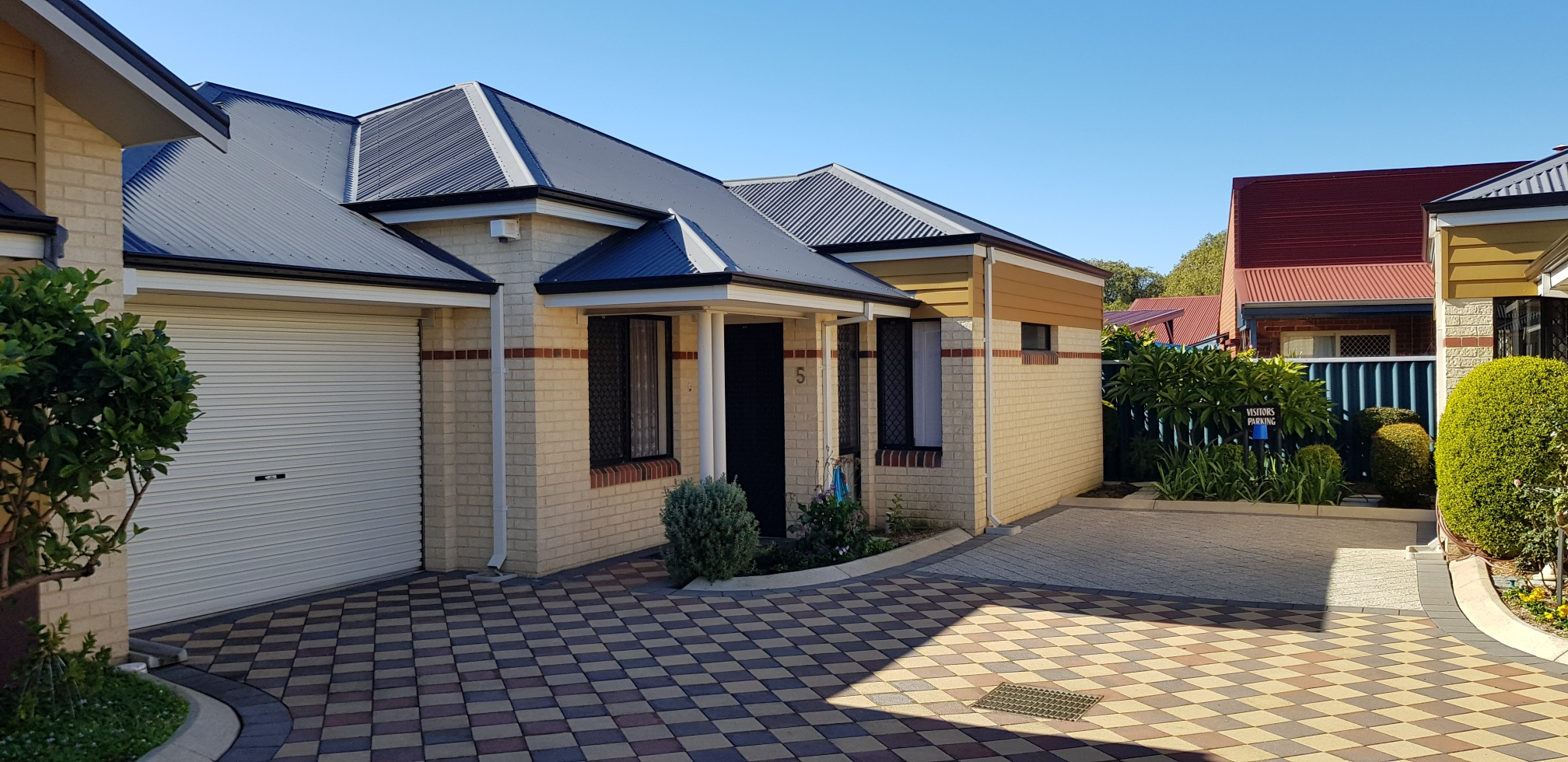 Busselton – Moore Street – Great Location