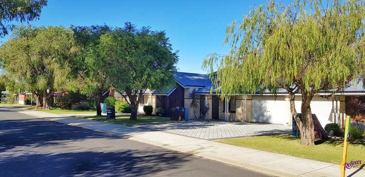UNDER OFFER – Busselton – Moore Street – Great Location